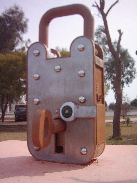 Largest Lock Art World S Biggest Key Lock Old Keys