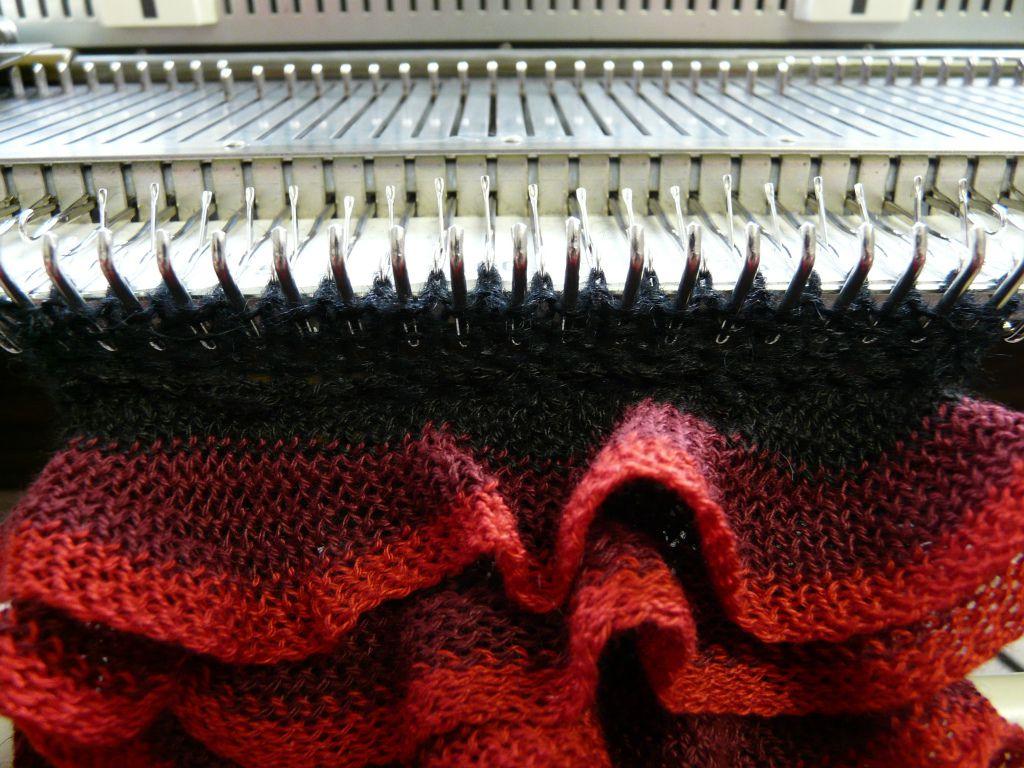 FREE Pattern:Flamenco. MACHINE KNIT | Tejido y Deberes