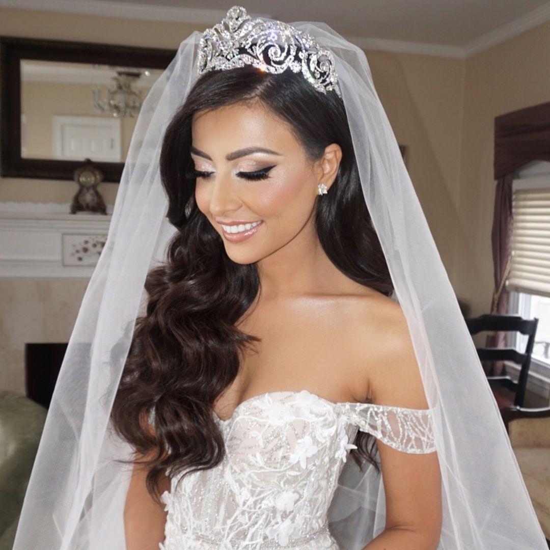 Love This Bridal Look Mua Lauren Damelio Hair Senadakxo Dress Berta Weddingsbyyourstruly Bride Hairstyles With Veil Bridal Hair Down Wedding Hair Down
