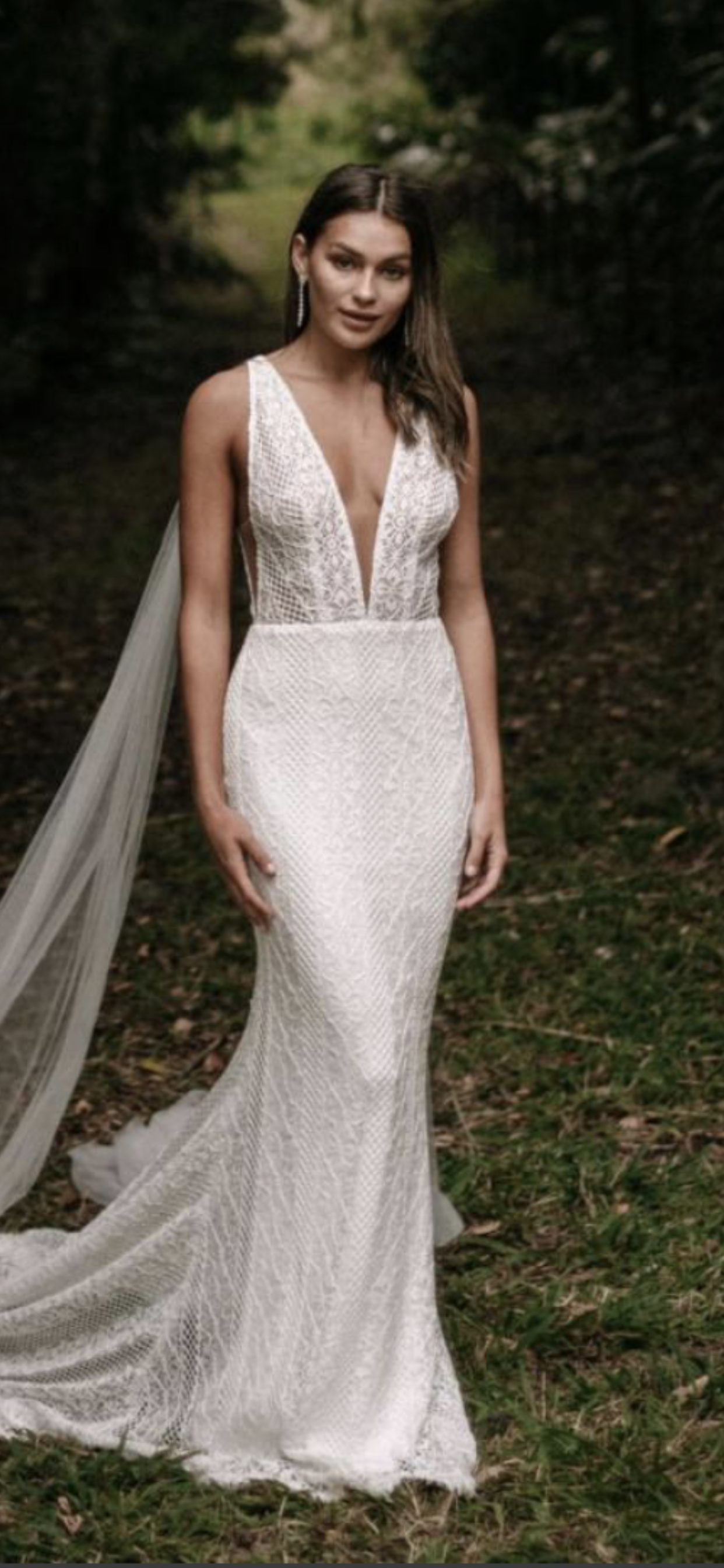 Made With Love In 2020 Consignment Wedding Dresses Bridal Dresses Sheath Wedding Dress