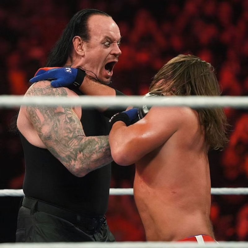 5 Potential Matches At Wwe Elimination Chamber In 2021 Wwe Wwe Superstars Undertaker