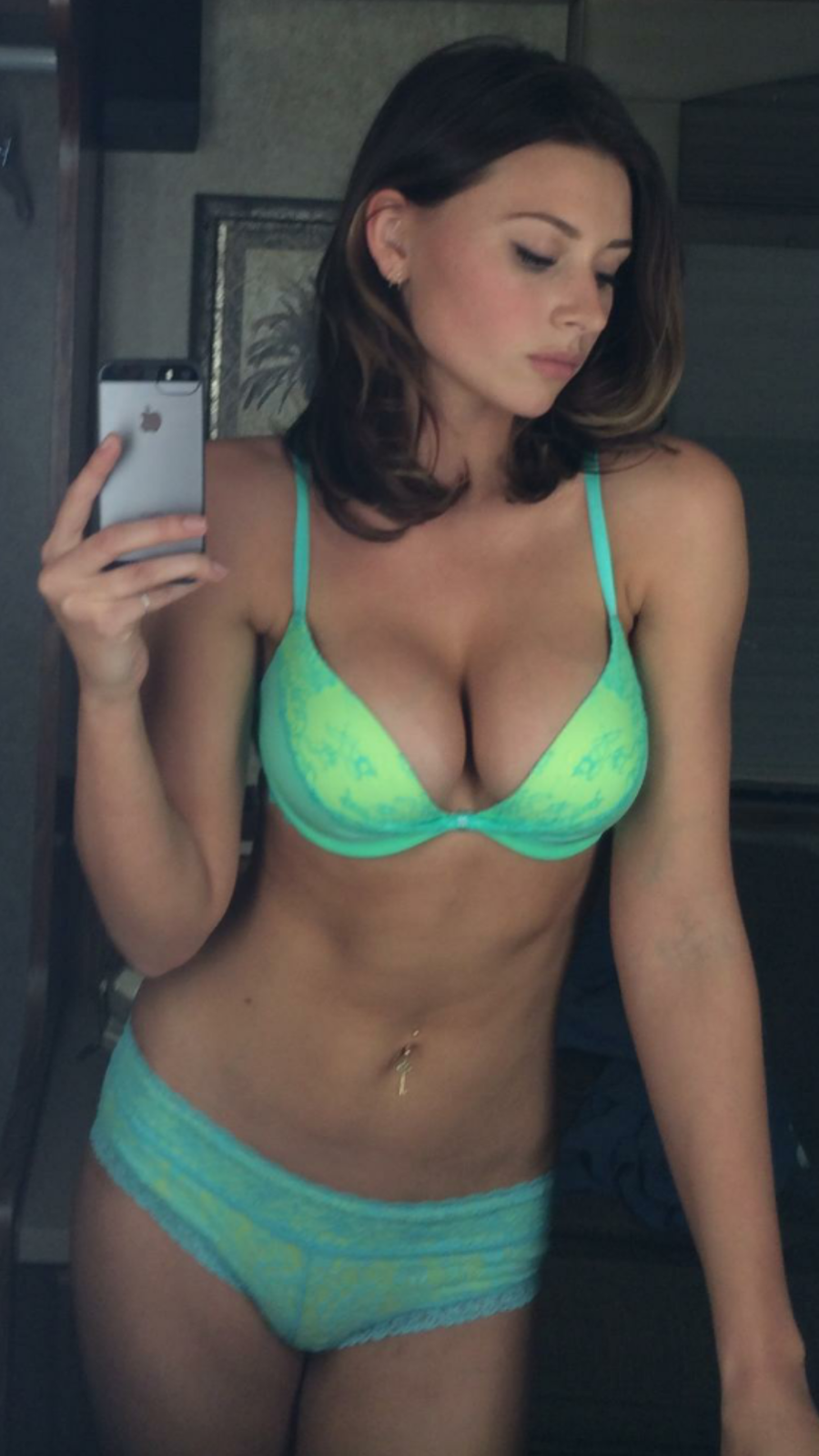 Selfie Alyson Michalka naked (48 foto and video), Tits, Sideboobs, Boobs, cleavage 2017