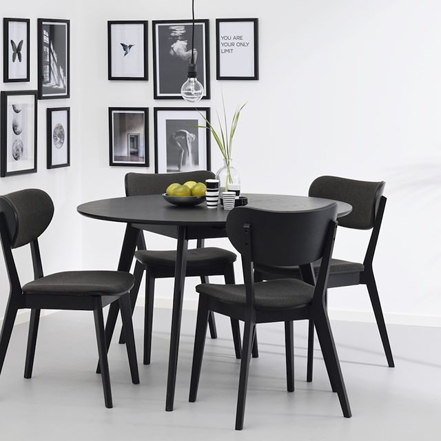 The Yumi dining table oozes Nordic retro design. Bevelled