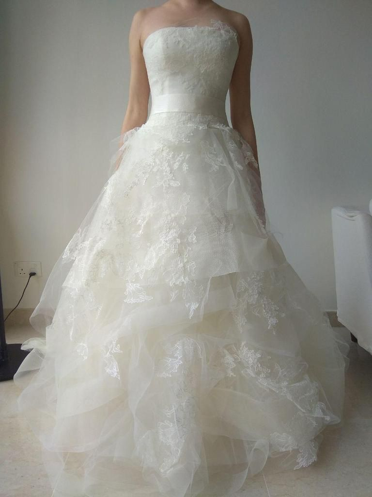 Vera wang designer wedding dresses  Vera Wang uHelenau  odyssey  Pinterest  Vera wang bridal Wedding