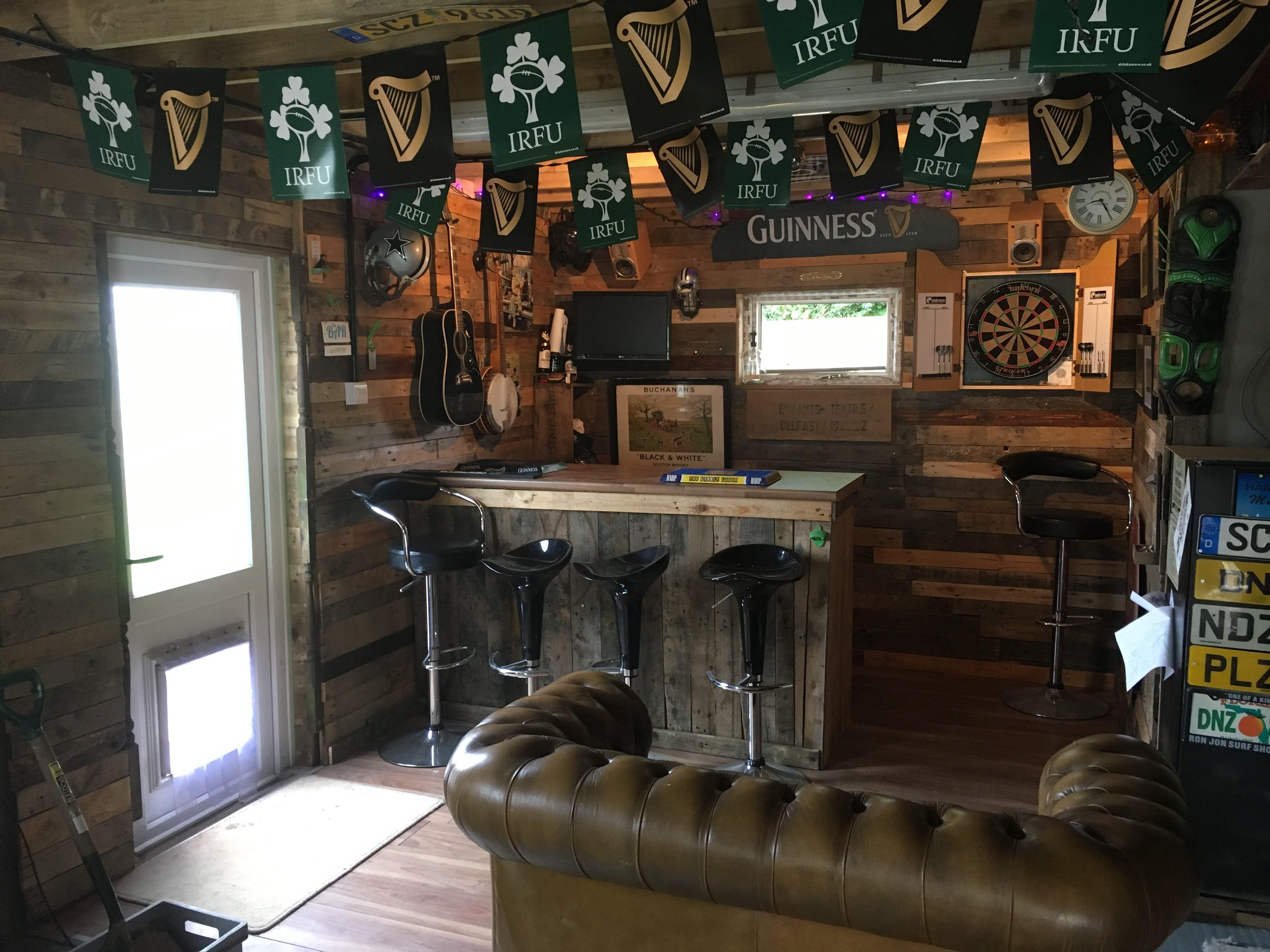 22 Wood Pallets Into A Garage Bar Man Cave Garage Bar Man