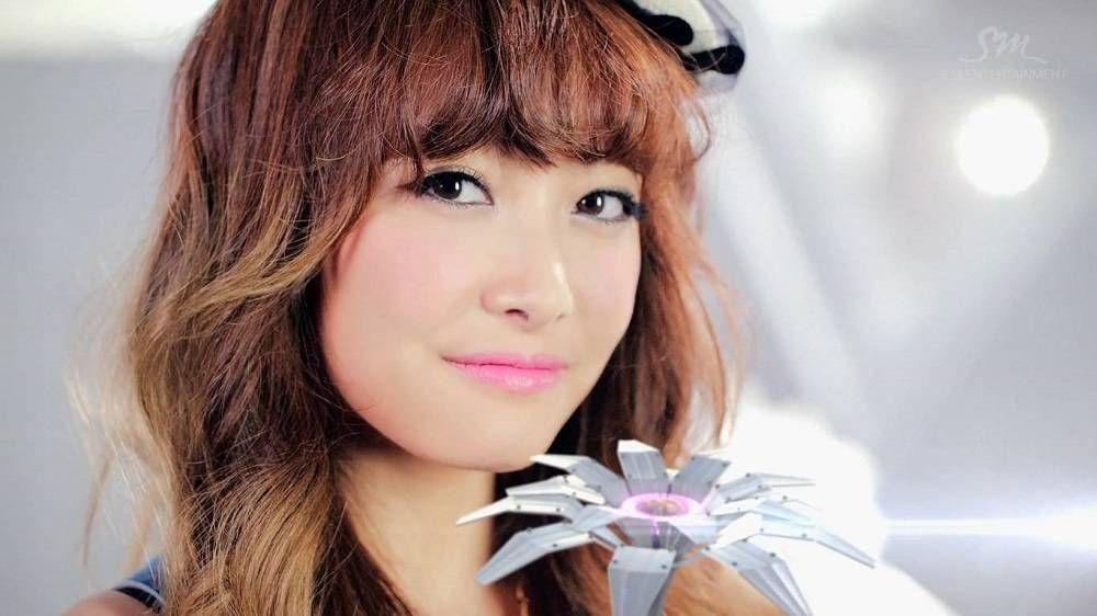Victoria dating kpop