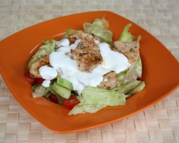 salat-s-kuracimi-medailonkami