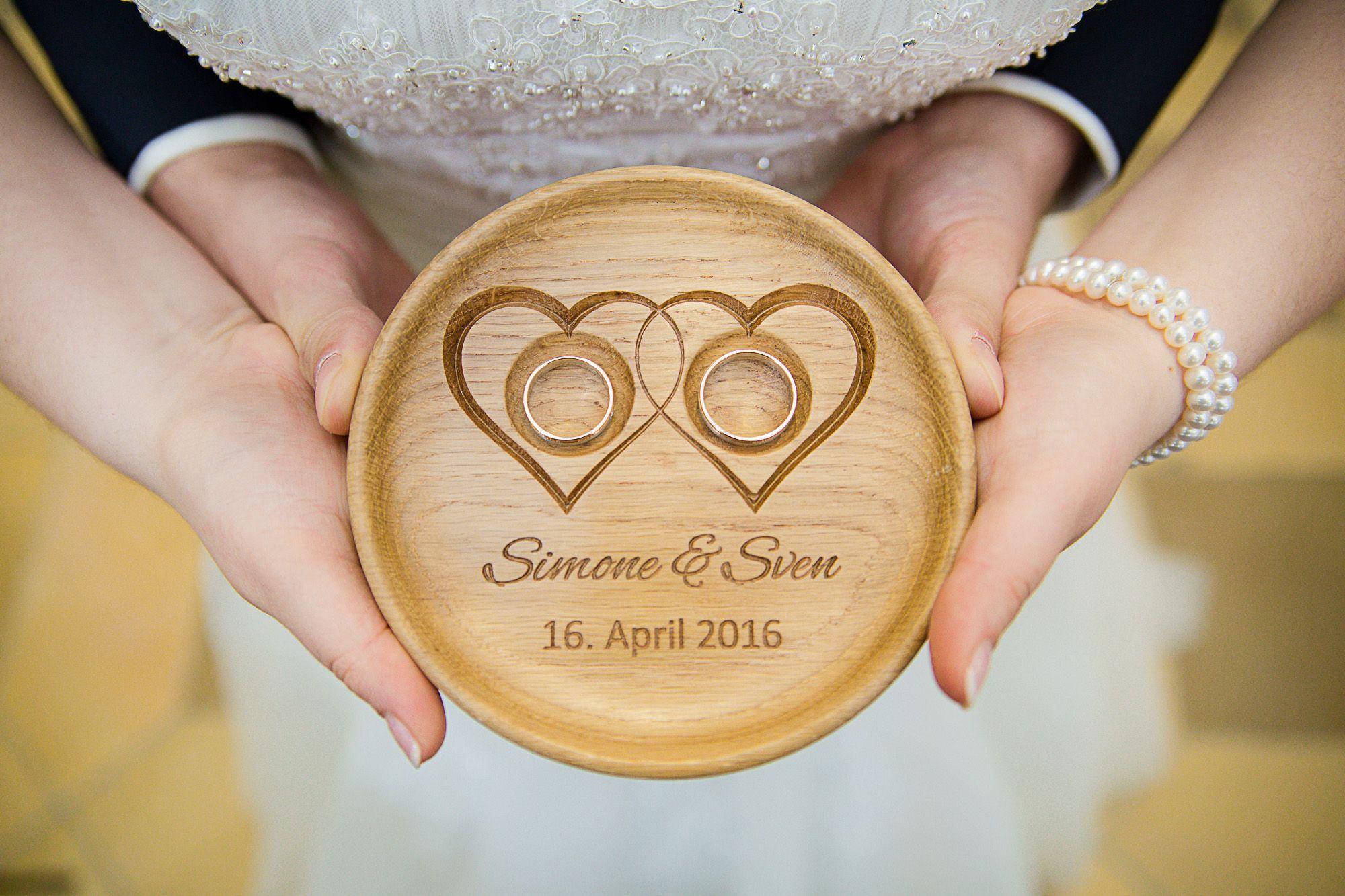 Ringschale aus Holz mit Gravur Hochzeit Ideen