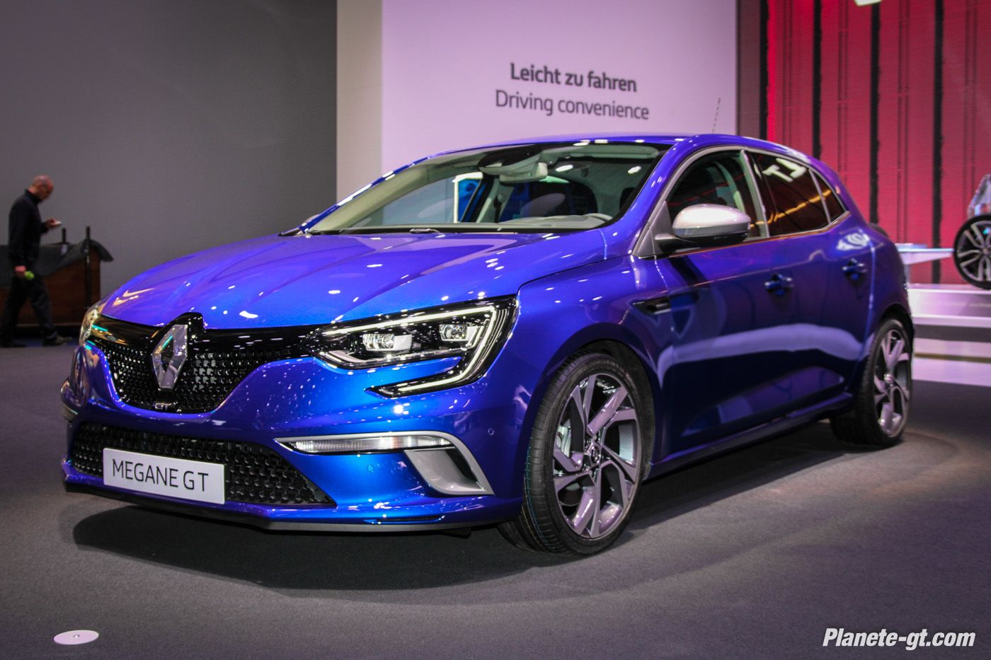 presentation video renault megane 4 gt 205 1400 933 megane pinterest cars. Black Bedroom Furniture Sets. Home Design Ideas