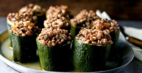 Tante #ricette vegetariane con le #zucchine. Tutte da provare!  http://www.greenme.it/mangiare/vegetariano-a-vegano/11295-zucchine-ricette