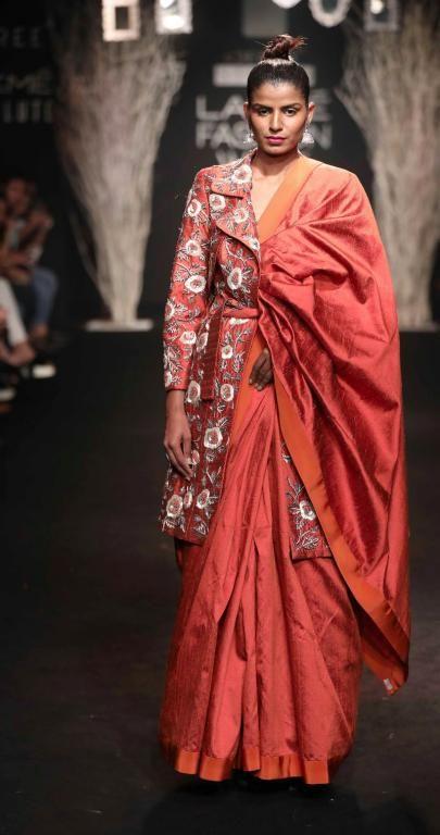Saree dress up style show