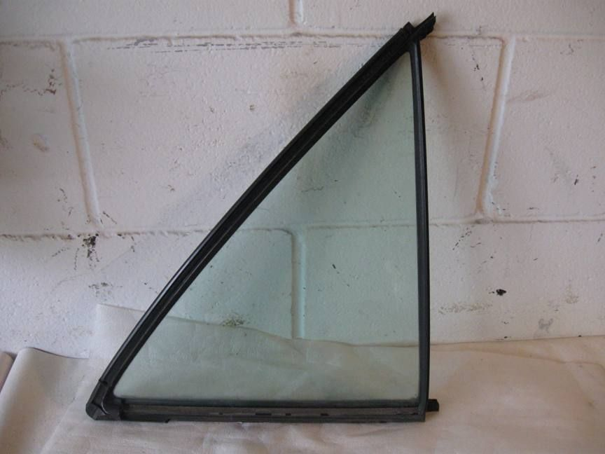 Glass - W124 300e Quarter Right Rear 1247350409 1247350224