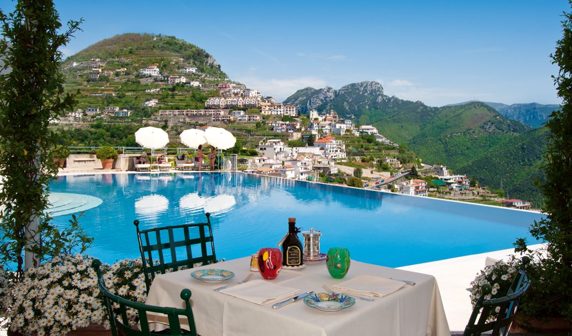 Hotels ravello italy hotel caruso bar pool hotel caruso for Hotels in ravello with swimming pool