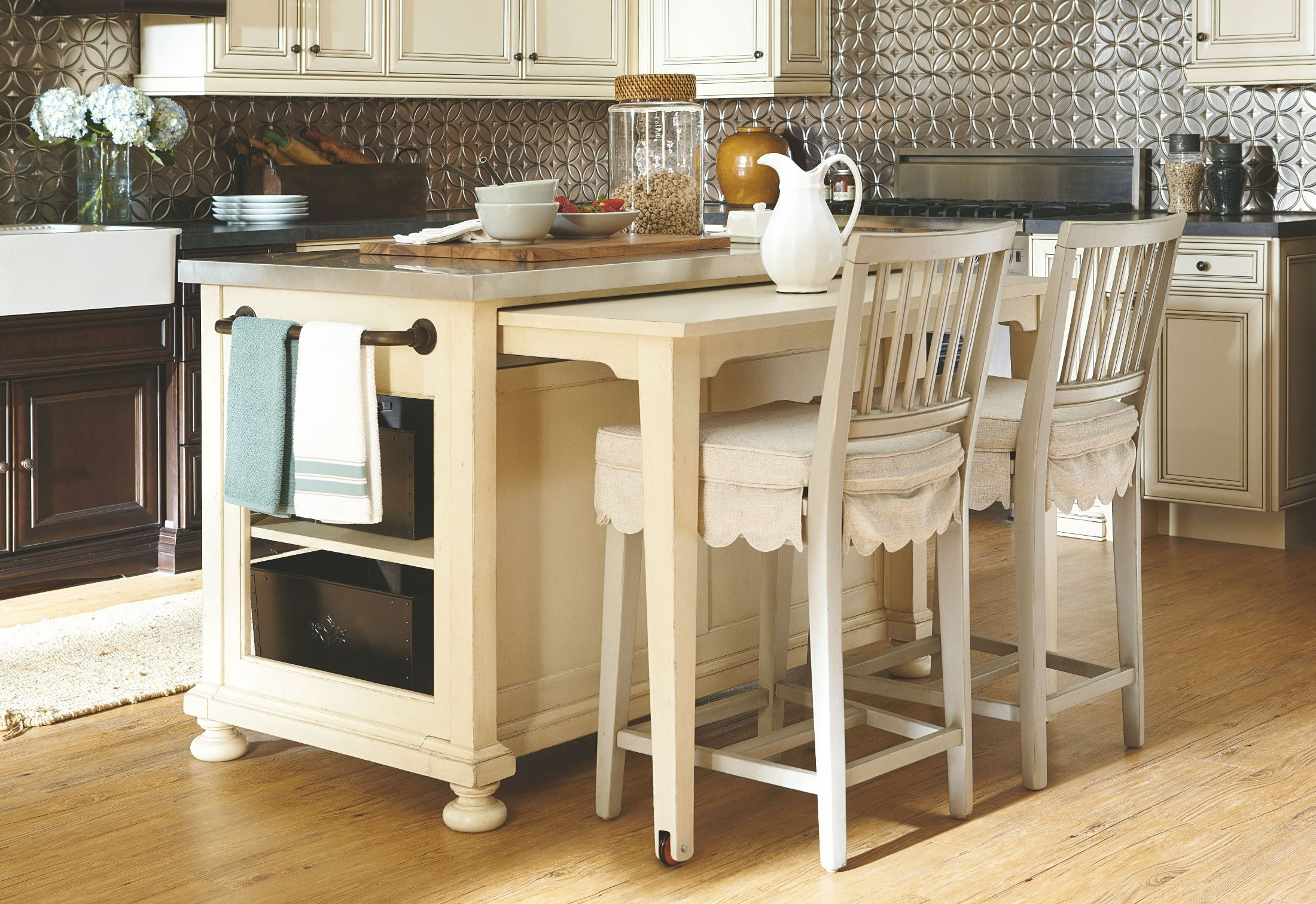 Love The Pull Out Table And Moveability Paula Deen