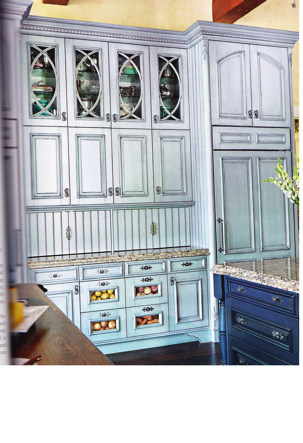 Example of cabinets: Like the overall layout and the ...