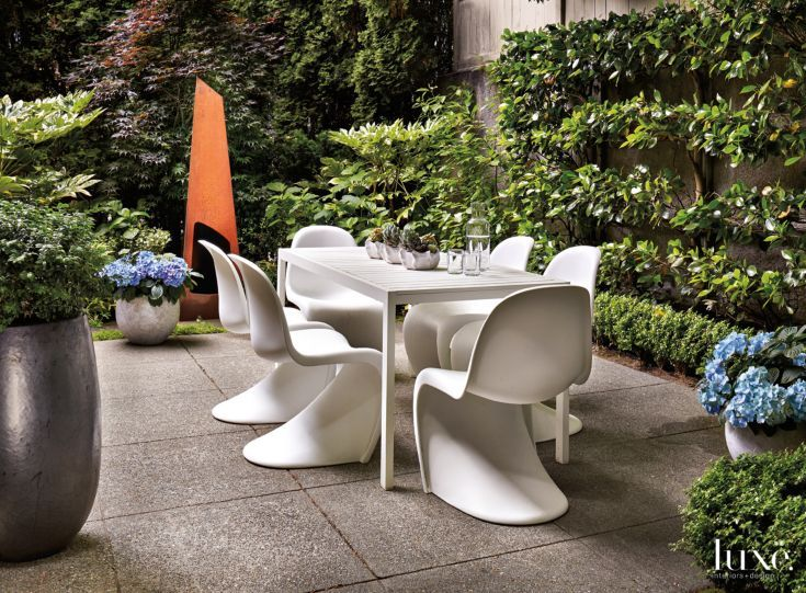 Modern Neutralan Eos Table By Matthew Hilton For Case