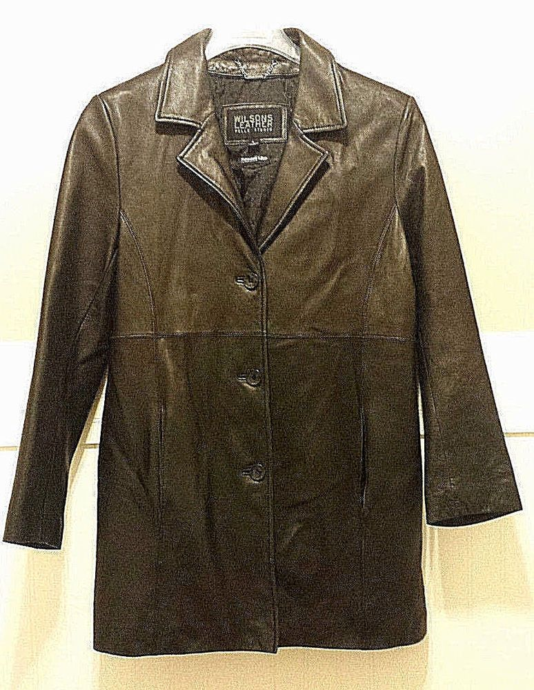 Up for sale is this womens Wilson's Leather Pelle Studio
