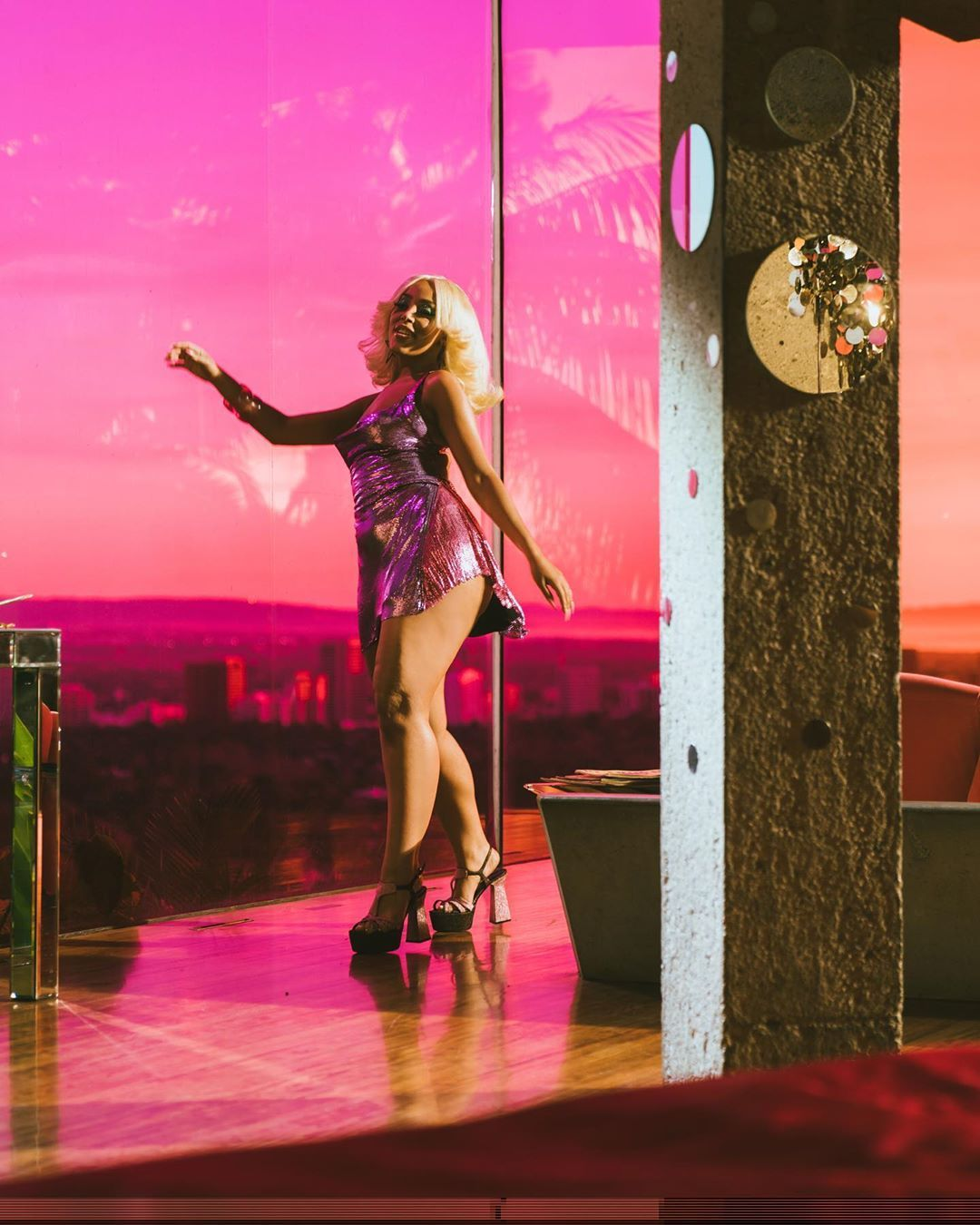 Doja Cat Vira Disco Queen Para Say So In 2020 With Images Cat Fashion Black Inspiration Disco