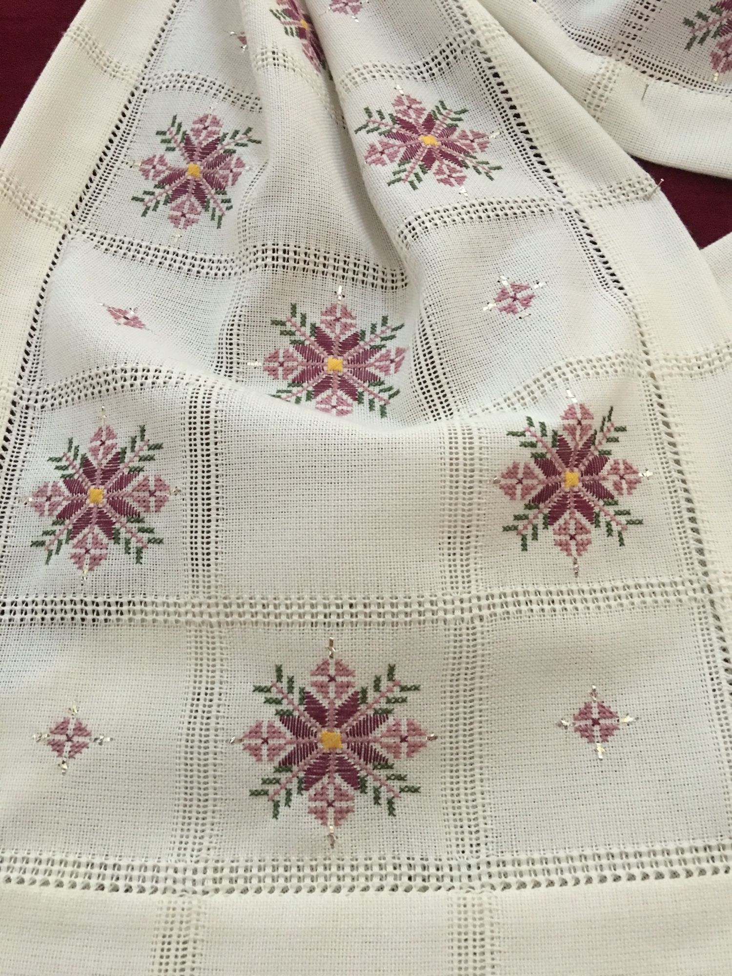 Embroidered Cloth Embroideries Pinte