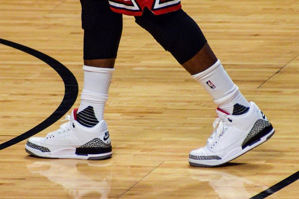 newest collection e5ef9 01b43 On Court  Jimmy Butler in the Air Jordan 3 Retro 88 - EU Kicks Sneaker  Magazine