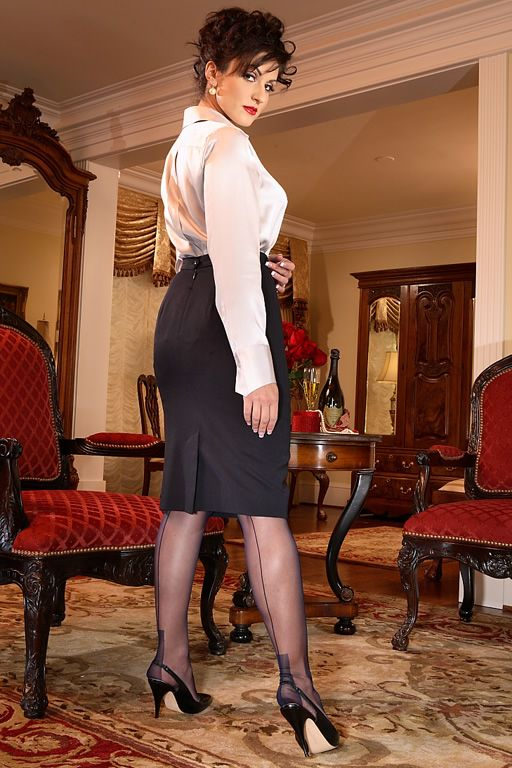 Pencil skirt seamed stockings