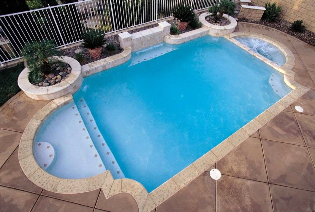Grecian Style For Your Own Roman Themed Swimming Pool Swimming Pool Designs Swimming Pools Backyard Pool Shapes