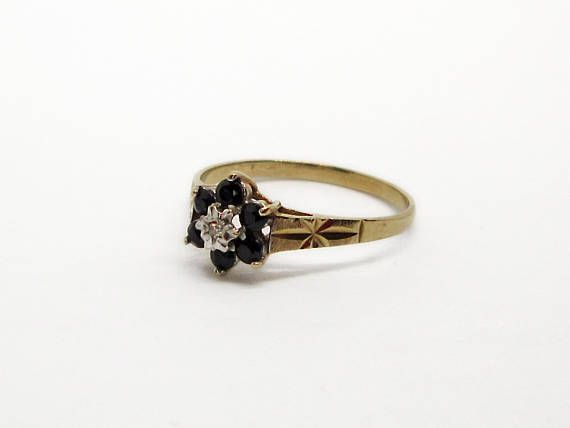 Vintage 9ct Gold Ring with Sapphire & Diamond UK size O Full