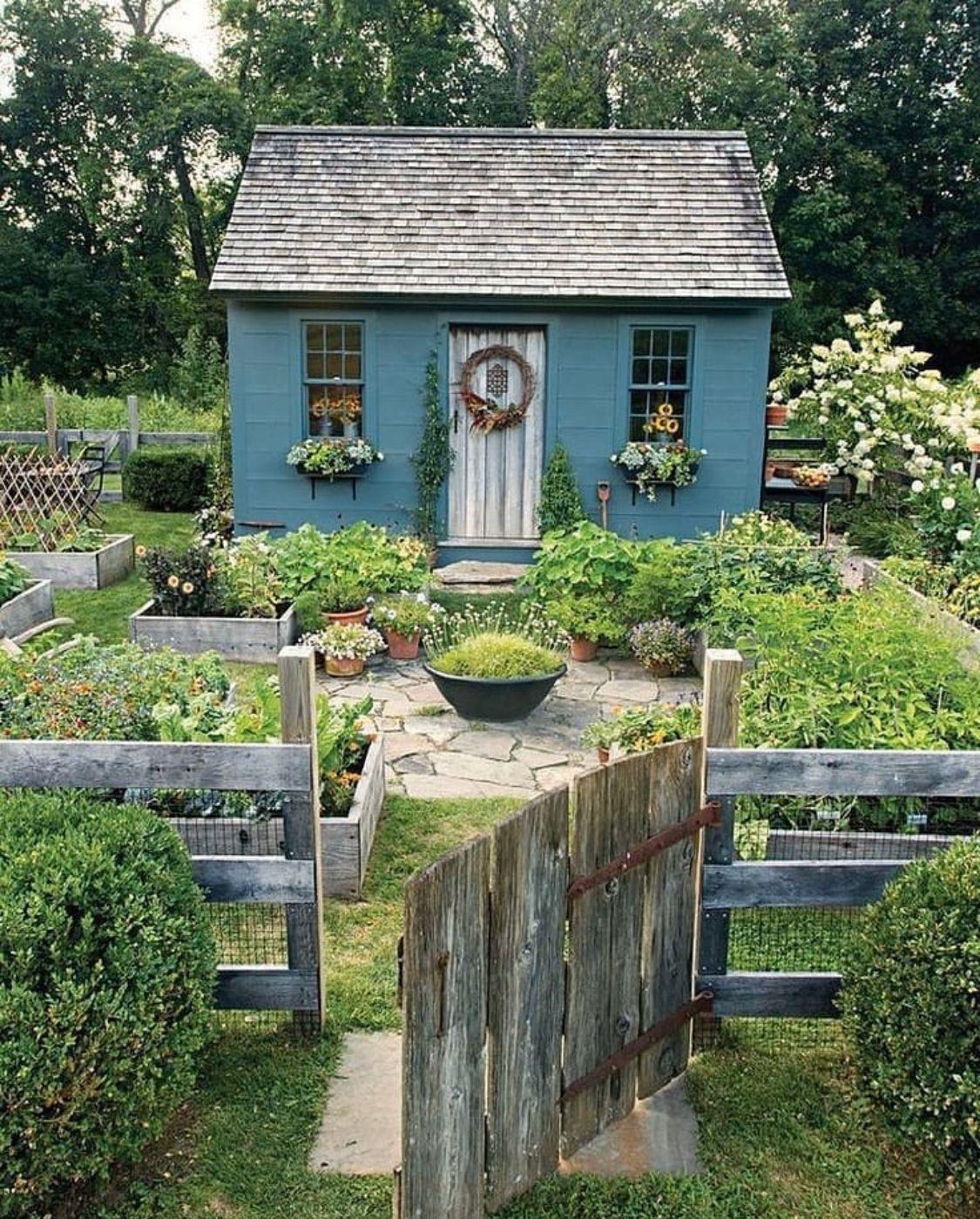 Tiny Garden Cottage Cottage Garden Design Rustic Gardens Cottage Garden