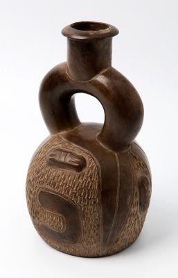 Lote: 35015809. Huaco de asa de estribo; Cultura Chavín, Perú, hacia ...