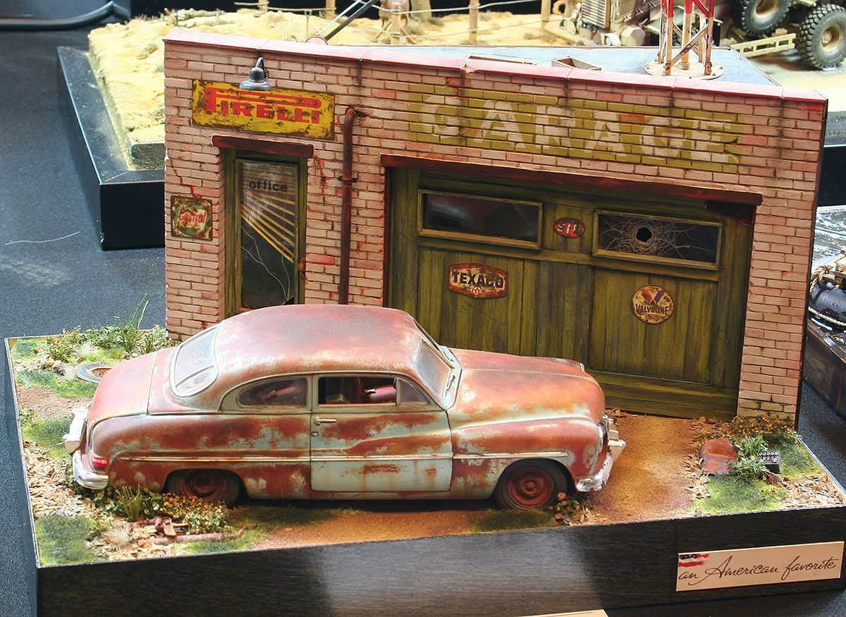 American car retro garage 1 35 scale model diorama 1 for Innendekoration zug