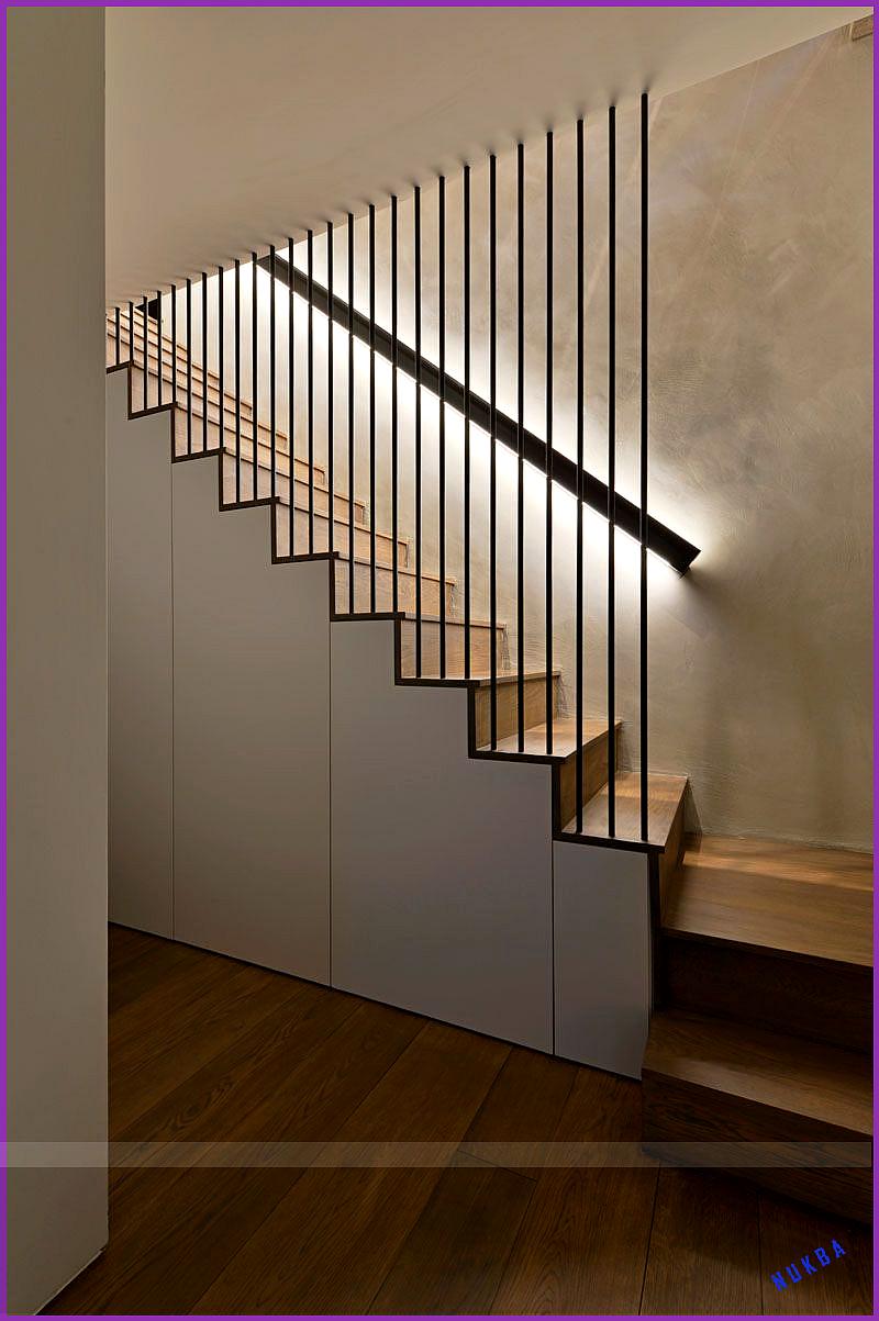 Treppe Von Pia Leopold In 2020 Treppenhaus Dekorieren