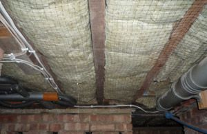 Sheep s wool insulation between rafters in a suspended floor     Sheep s wool insulation between rafters in a suspended floor  secured with  netting