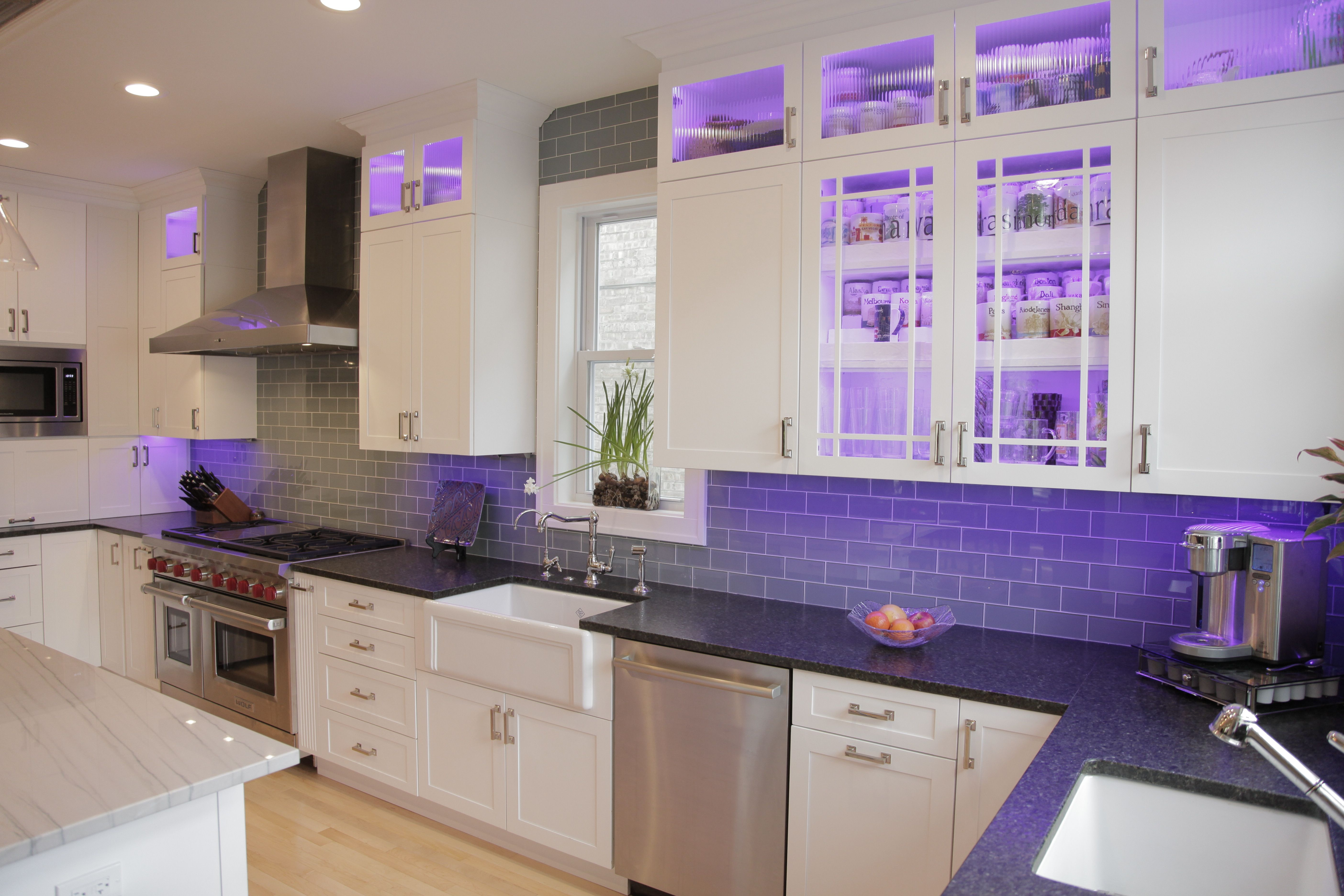 Kitchen Remodel In Chicago Il By Budget Right Kitchens In Cabinet Led Lighting Changes Colors Kitchen Remodel Kitchen Kitchen Cabinets