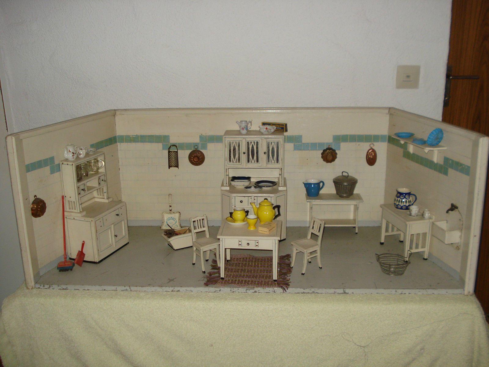 Wonderful Uralte Puppenküche, Jugendstil, Möbel Und Gehäuse Original, Imposant | EBay
