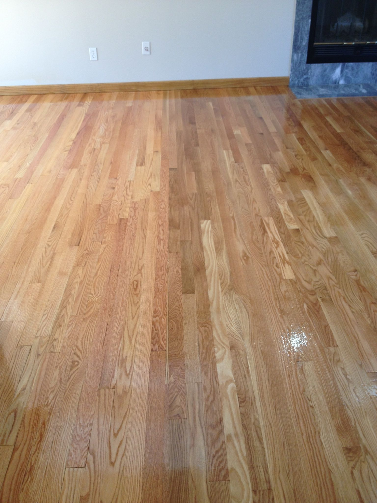 Another Example Of Someone Not Knowing The Difference Between Red Oak And White Oak Can You Tell The Difference Wood Floors Red Oak Hardwood Floors