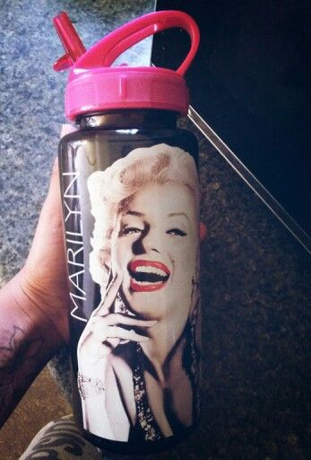 Marylin Monroe water bottle❤❤