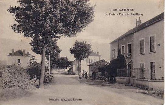 Les Laumes. La poste route de Pouillenay.