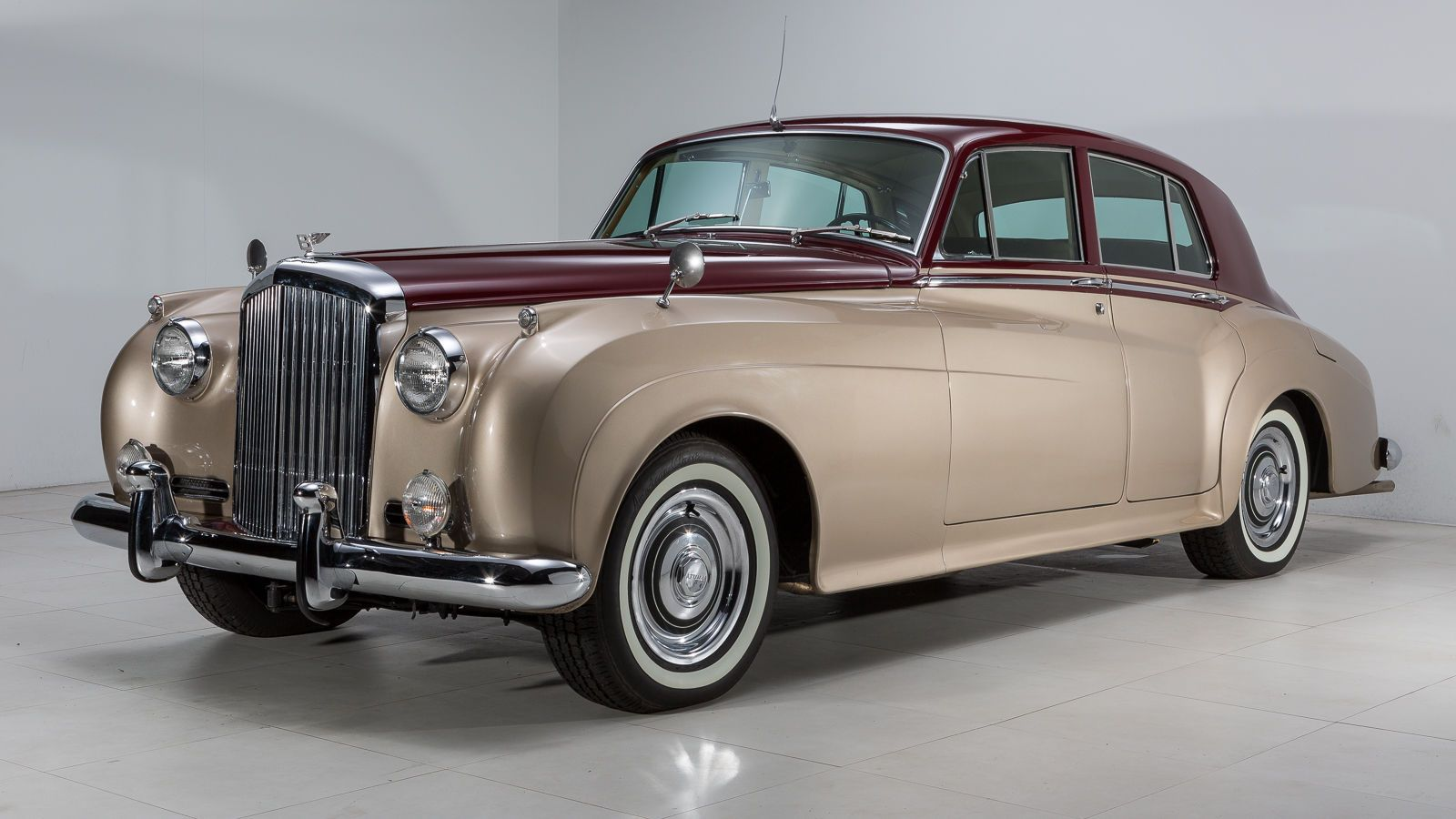 Luxury Limousine Vintage Bentley Rolls Royce Classic Cars With