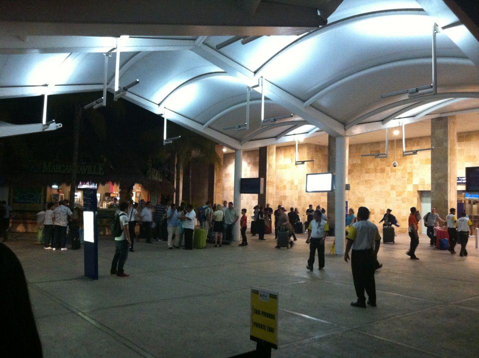 Transitzone Cancun Airport in QROO