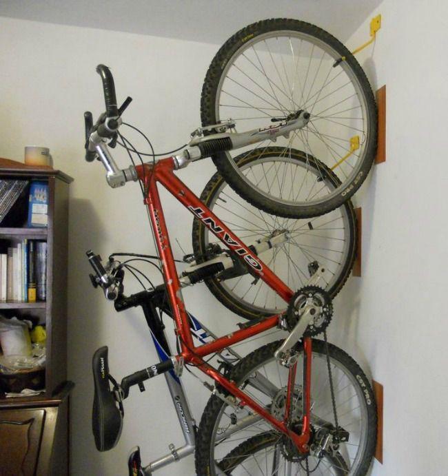 C mo guardar bicicletas en departamentos peque os monoambiente pinterest departamentos - Guardar bici en piso pequeno ...