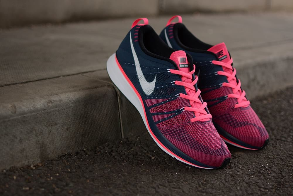 a6f02cb1f0f91 ... inexpensive image of nike flyknit trainer squadron blue white pink flash  bc100 274aa