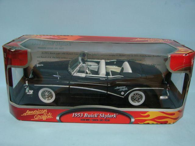 Motor Max American Graffiti 1953 Buick Skylark Convertible Premium Metal Die Cast 1/18 Car Black