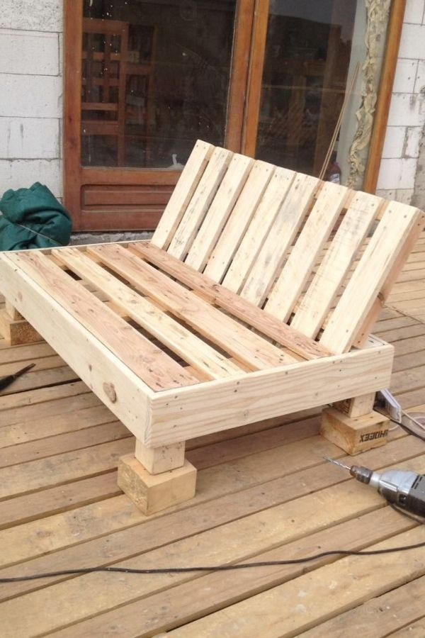 Holzmöbel garten selber bauen  Paletten holz-sofa selber bauen | Palettes | Pinterest ...