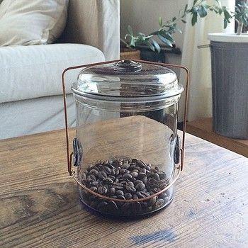 いつかは欲しい憧れの器 ビーターアイビー の美しいガラスの世界 キナリノ ガラス ジャー コーヒー カフェ ガラス