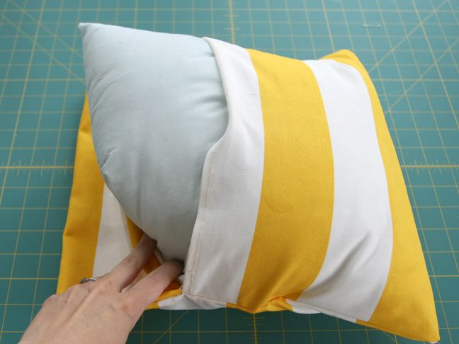 DIY: Simple Envelope Pillow Tutorial - Step by Step with Photos : easy pillow sewing tutorial  - pillowsntoast.com