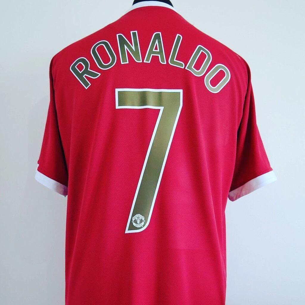 51913436c 2006-07 Manchester United Home Shirt L RONALDO  7 - 54.99   classic eleven united Link in bio (search  cristiano ronaldo)  ronaldo   cristiano  cr7 ...