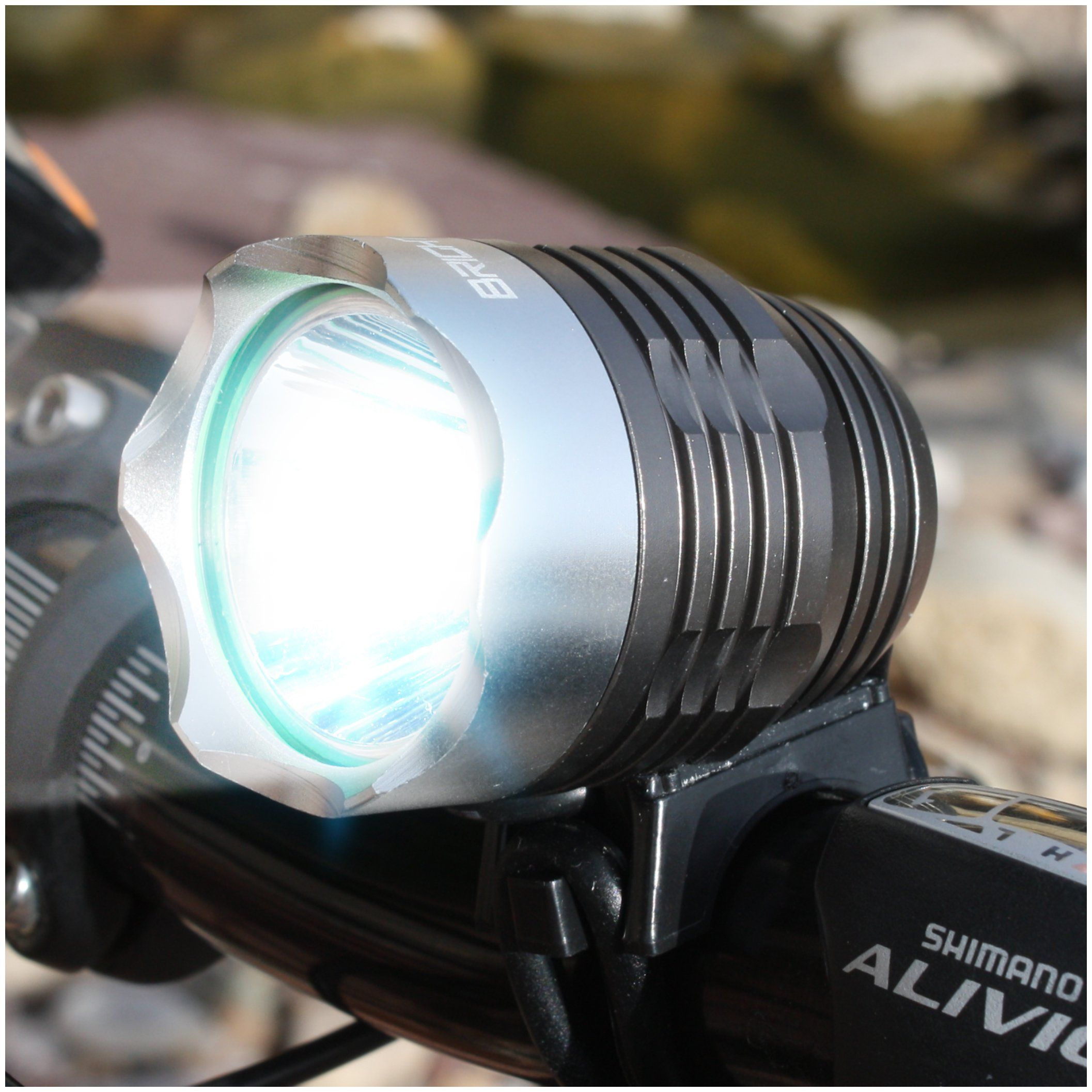 Bright Eyes Rechargeable POWERFUL 1200 LUMENS Bike Headlight   4 NEWLY  UPGRADED FEATURES And ADDITIONS (