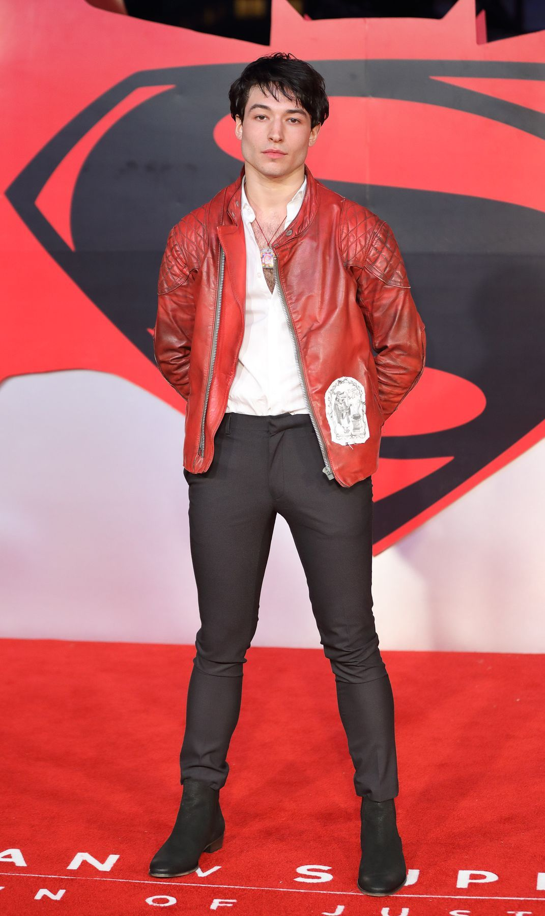 We Need To Talk About Ezra Millers Buff New Superhero Body Baes