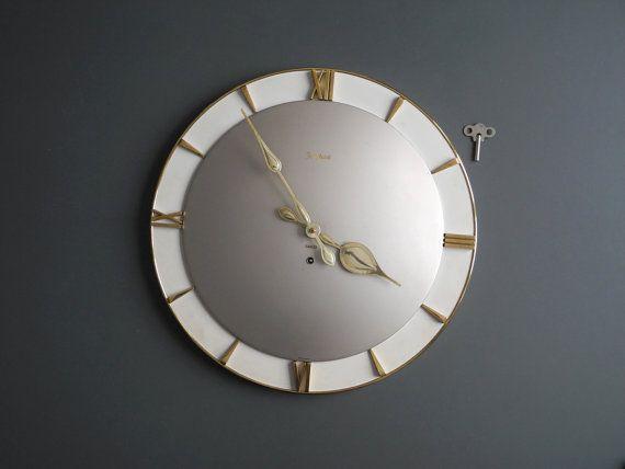 Wonderful original 50s big mechanical metal wall clock by Junghans, model Exacta