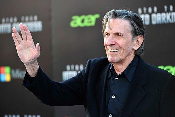 Ator que interpretou Spock em #JornadaNasEstrelas é hospitalizado com dores no peito >> http://glo.bo/1B5V7cr